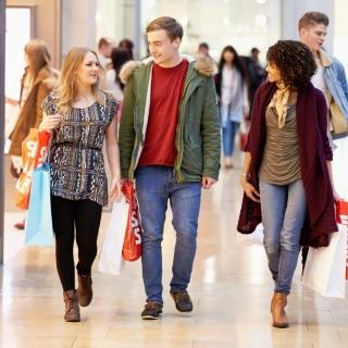 Gagnez 1x2 billets pour un voyage de Shopping à Vicolungo en Italie le 10 novembre.